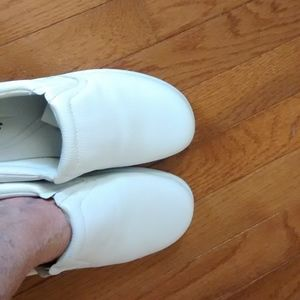 Cobbie Cuddlers Shoes - White Sneakers